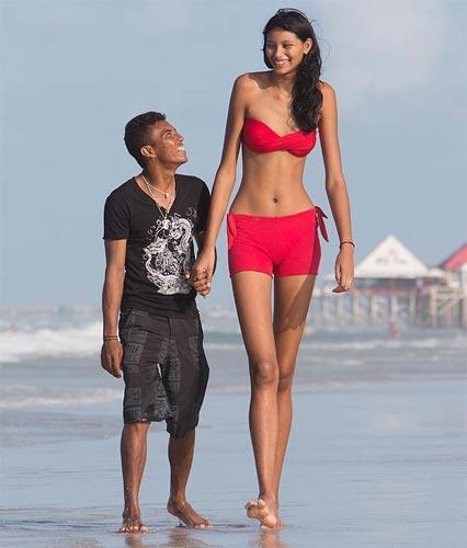 Tall pregnant women-7